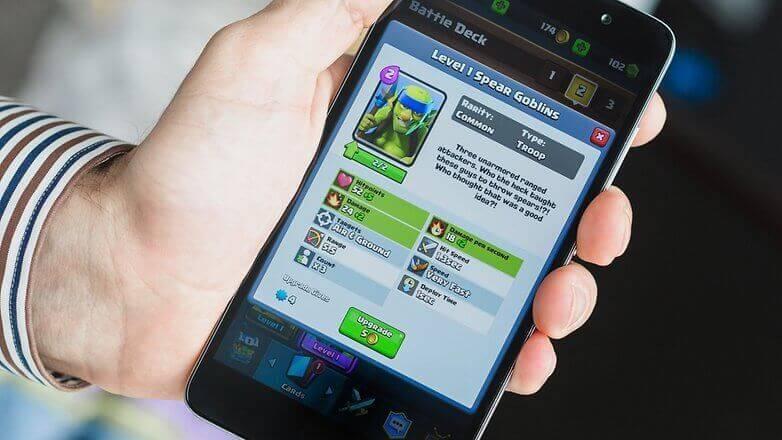 Clash Royale: улучшение карт